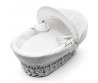 Бяла плетена кошница за новородено бебе с бял спален комплект тип вафлички