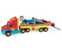 Камион с рампа и коли от Формула 1