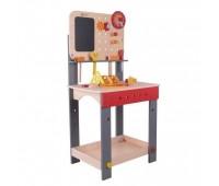 Дървена маса с инструменти - Работилница